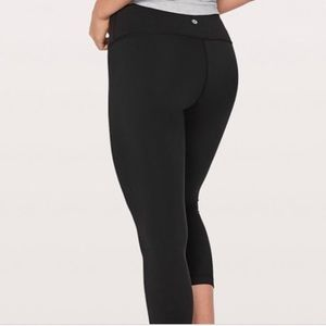 Lululemon high rise crops  size 6
